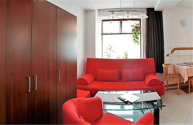 2 3 bett zimmer bad pension pieschen dresden. Black Bedroom Furniture Sets. Home Design Ideas